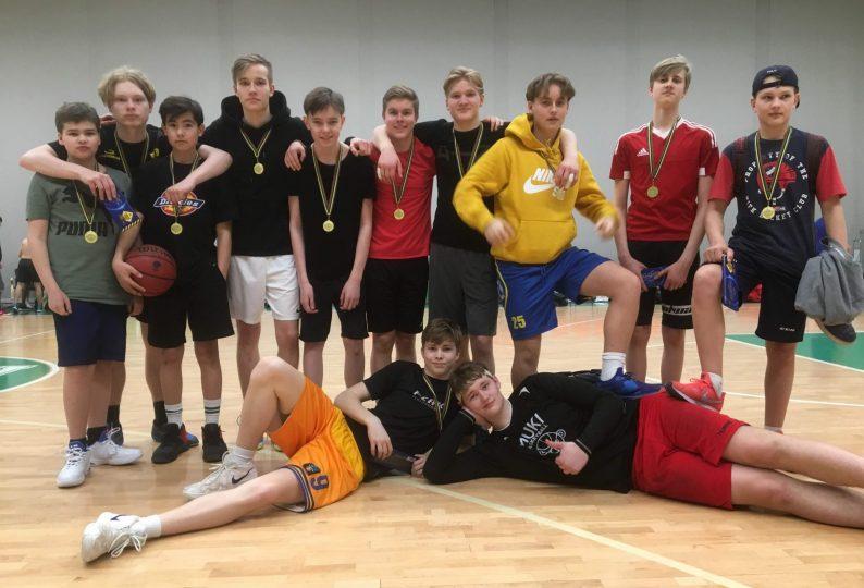 Hoplax pojkar vann guld i åk 7-9
